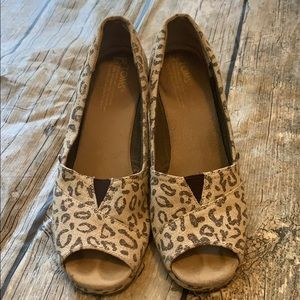 Leopard Toms wedges